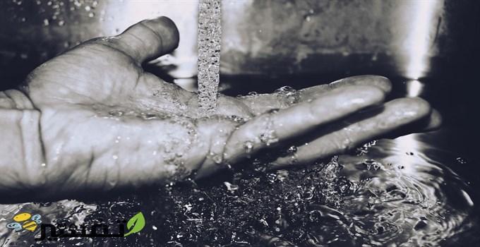 حلم شرب الماء من يد الميت