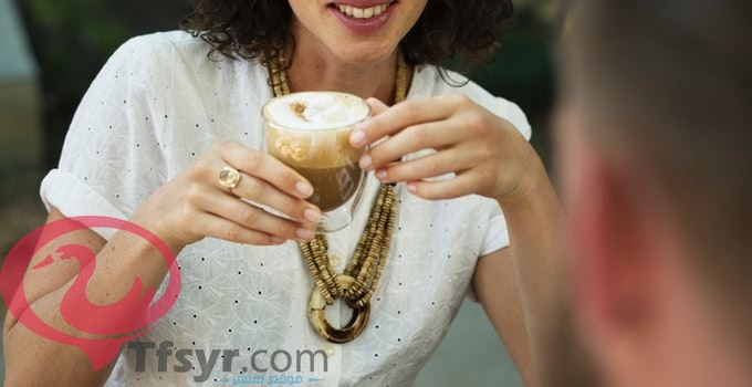 صب القهوة في المنام