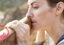تفسير حلم رؤية الام المتوفية في المنام حزينه