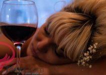 تفسير رؤية شرب الخمر في المنام العصيمي