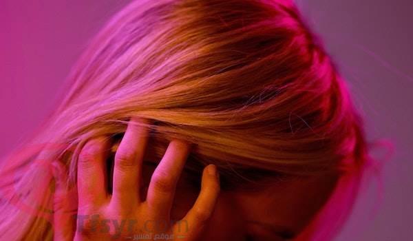 تفسير حلم صبغ الشعر باللون البنفسجي