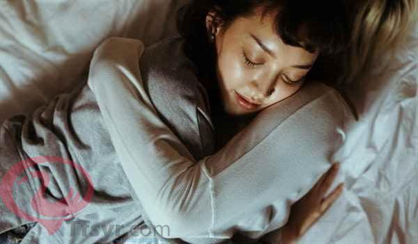 تفسير حلم النوم مع الحبيب لابن سيرين